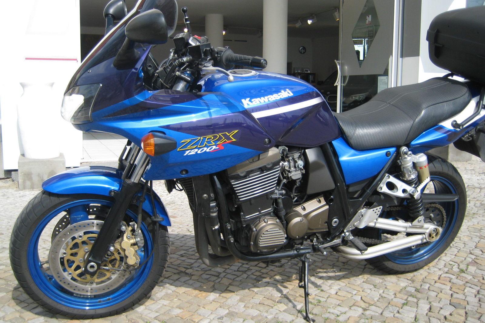 Kawasaki ZRX in blau