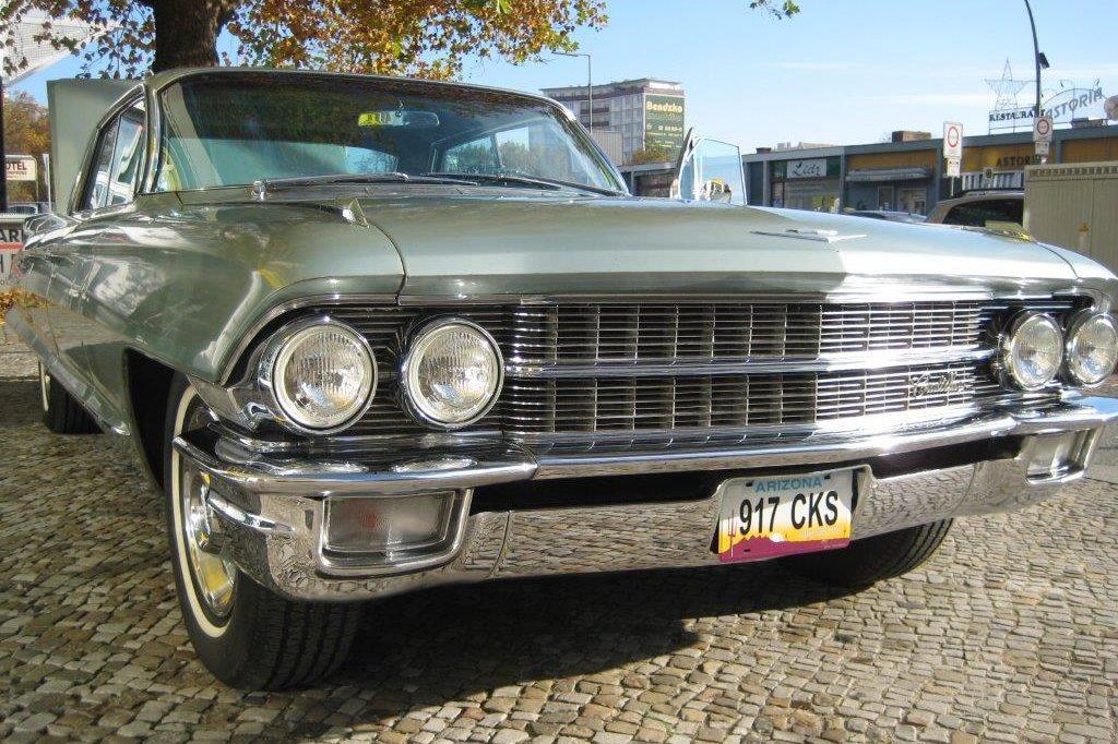 Cadillac Deville hellgrün