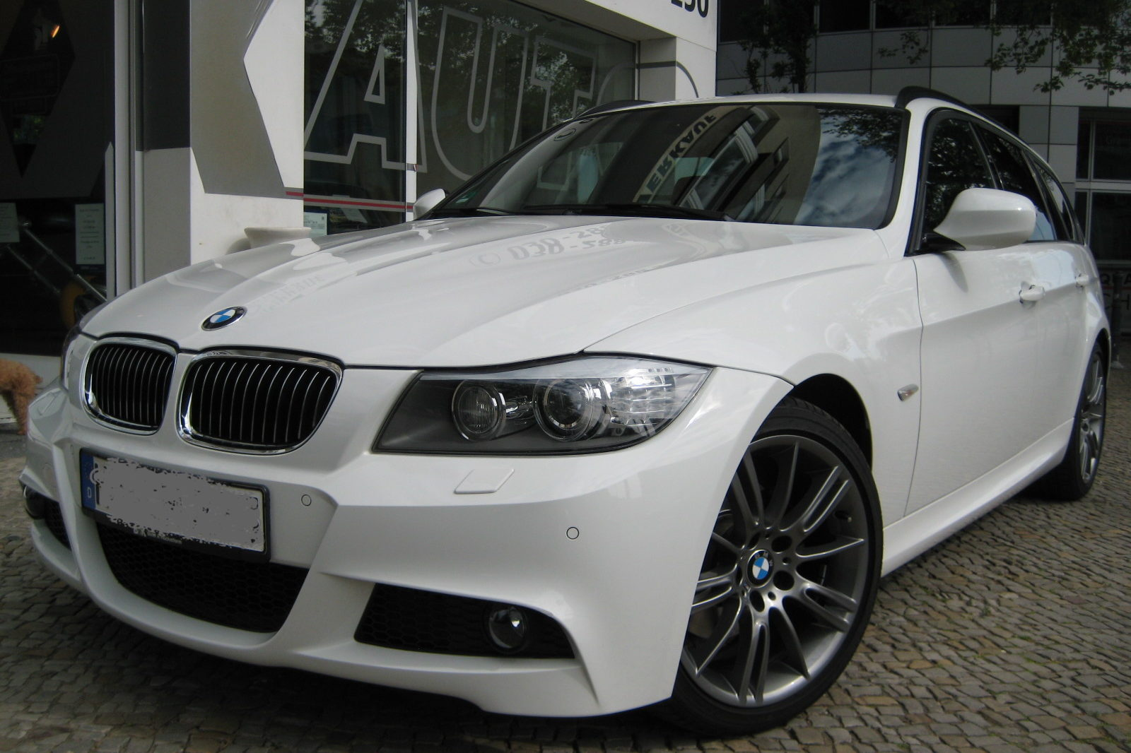 BMW 320 in weiss