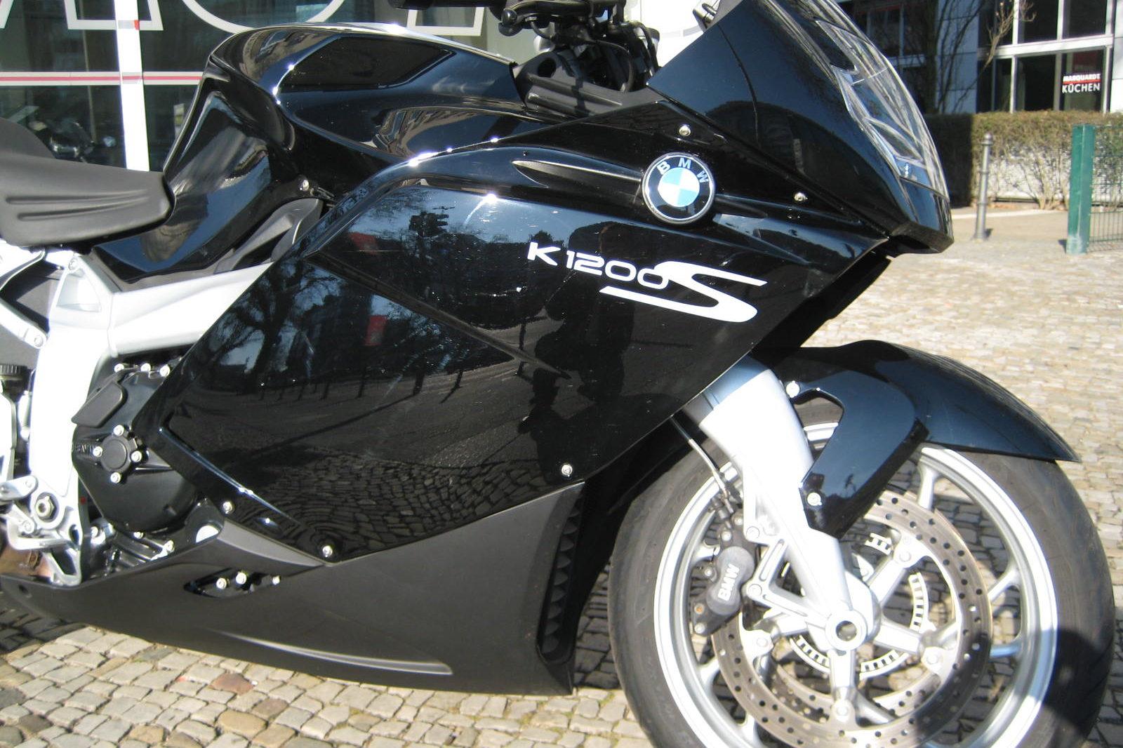 BMW K1200S schwarz