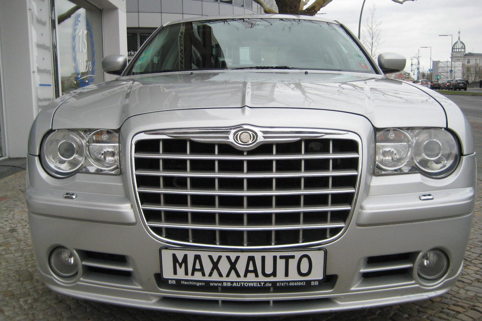 Chrysler 300C silber