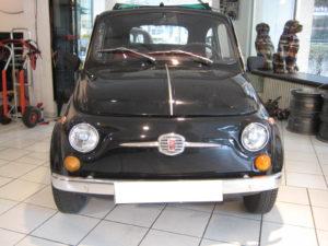Fiat 500 Oldtimer in schwarz