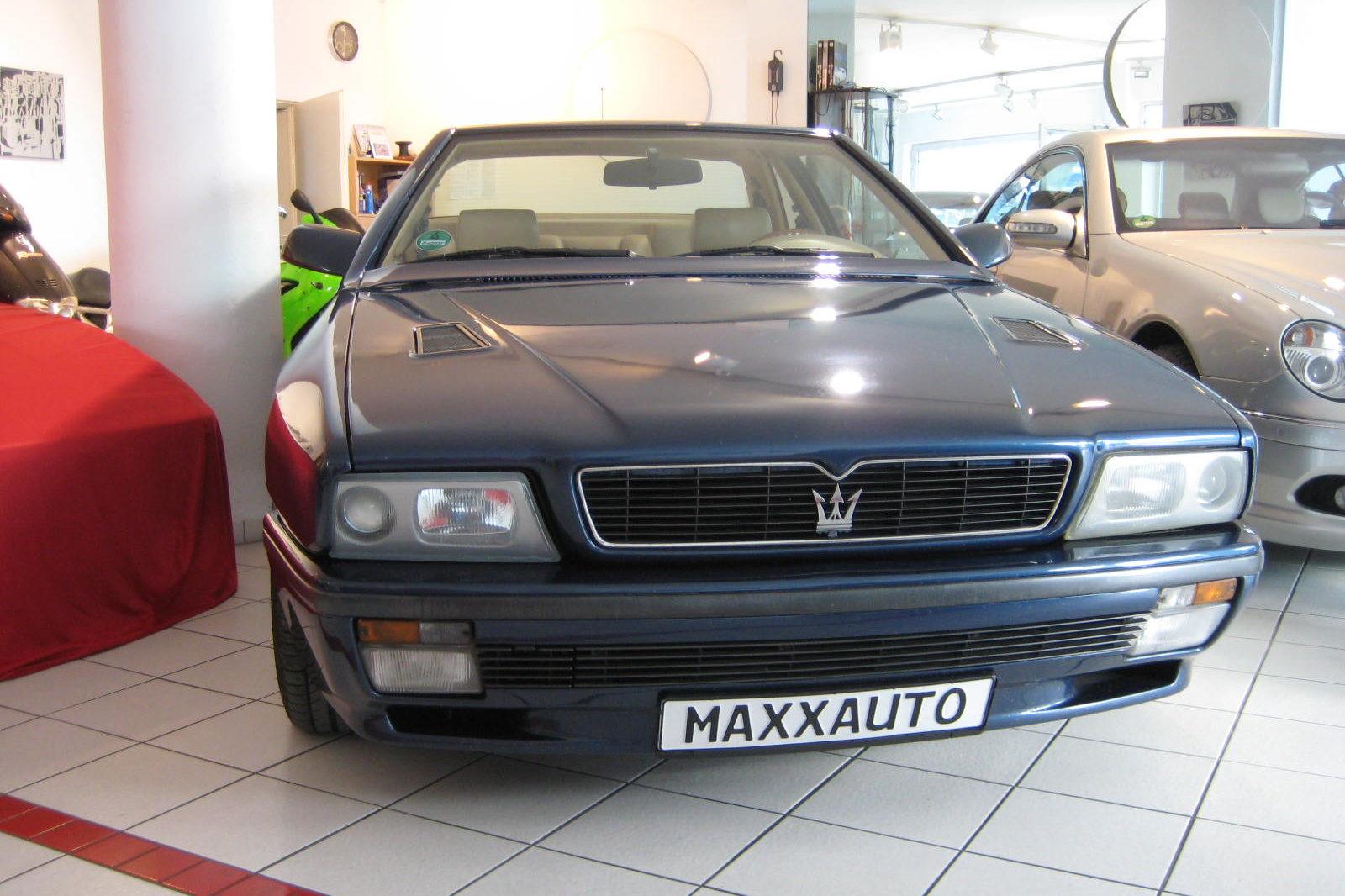 Maserati Ghibli dunkelblau