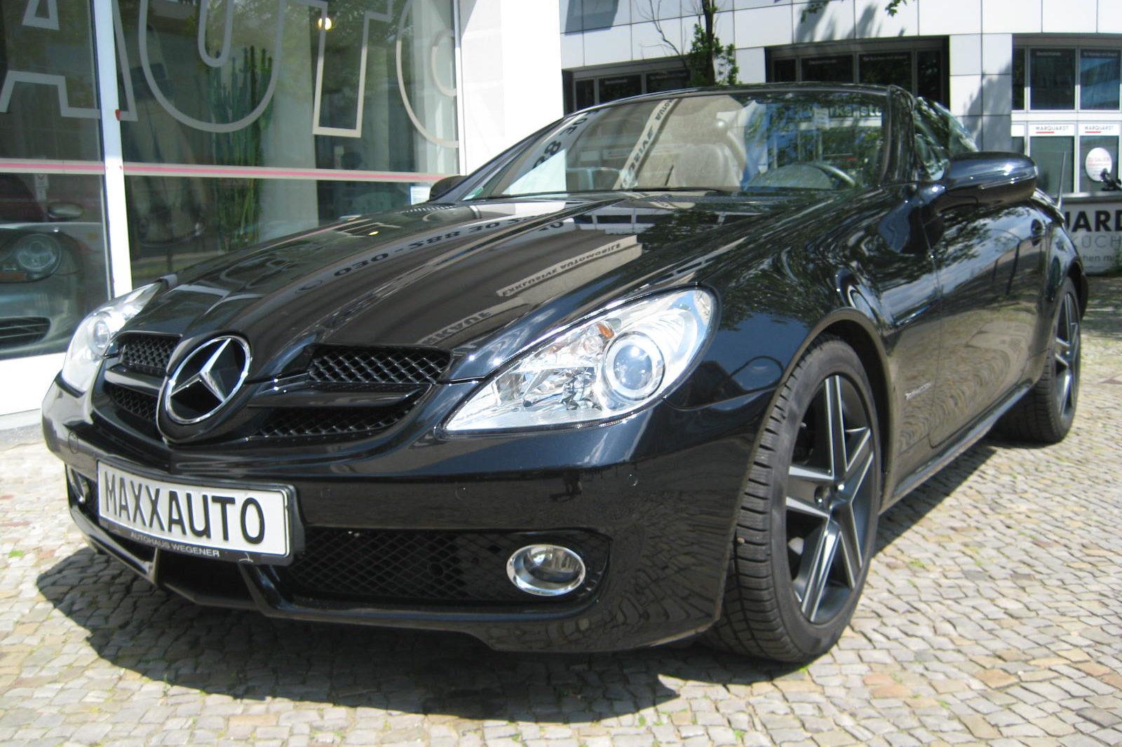 Mercedes SLK 200 dunkel